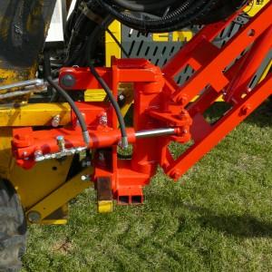 Tarrière hydraulique entre-roues